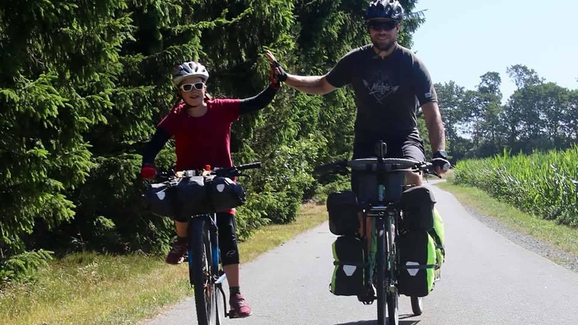 Far og datter i Vildmarken, 45 dage i Danmark, foredrag, Karen og Erik, Cykeltur