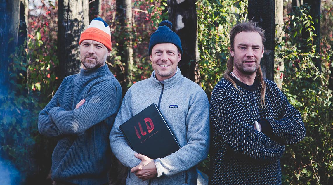 ILD – Eventyrlig mad, er en hyldest til bålet, maden, kammeratskabet og glæden ved naturen. Forfatterne bag er Nikolaj Kirk, Mikkel Maarbjerg og Morten Kirckhoff, står på billede her!