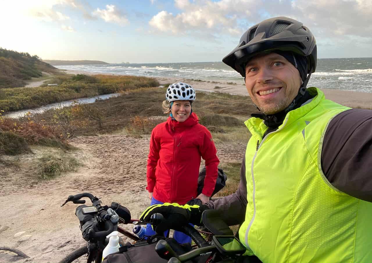 Billede af Tine og Erik under Bornholm rundt, Bikepacking. Erik B. Jørgensen og Tine