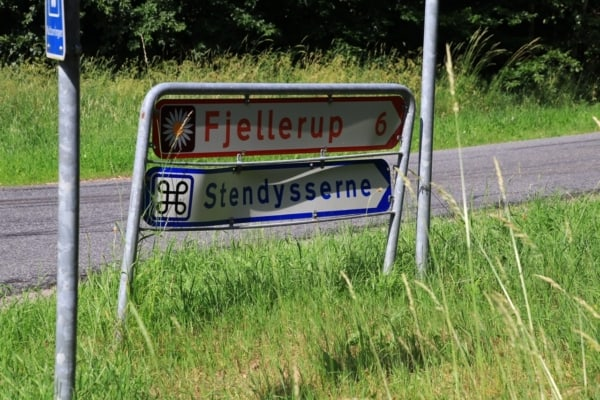 Billede af vejskilt Fjellerup. Fra Bikepacking, Danmark rundt