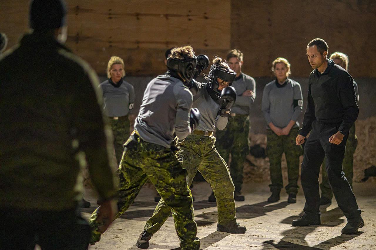 Episode 1, Korpset, sæson 4, boksning, instruktør Erik B. Jørgensen er kampdommer, Foto Lars E. Andreasen, TV 2