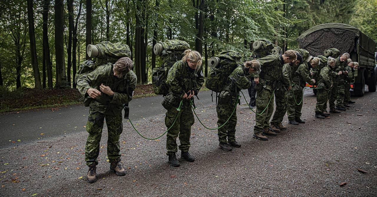 Episode 4, Korpset, sæson 4, En for alle, aspiranterne bundet samme, Foto Lars E. Andreasen, TV 2