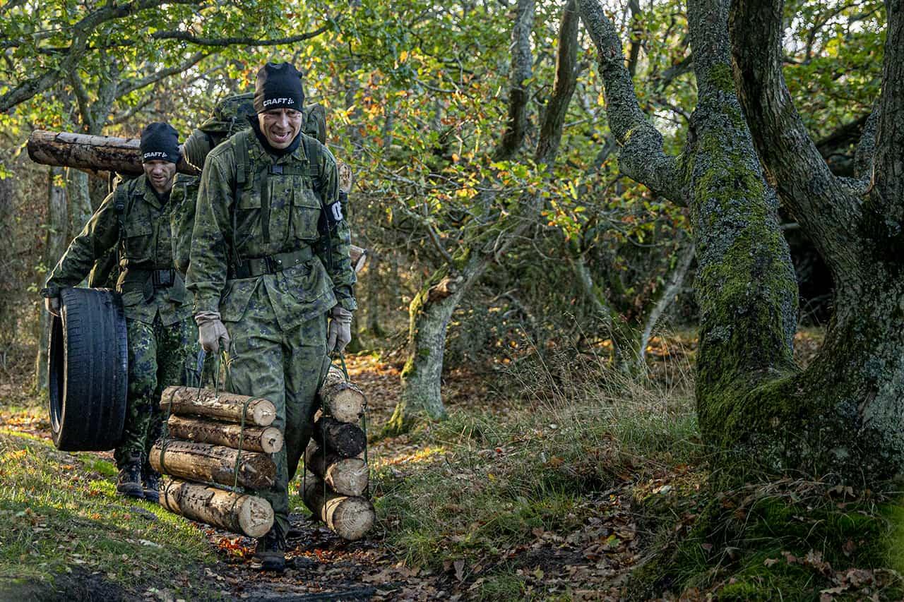 Episode 7, Korpset, sæson 4, Hold fokus, aspiranterne på hårdt arbejde, Foto Lars E. Andreasen, TV 2