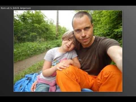Video thumbnail for youtube video Øhavsstien etape II, Far og datter på Vandretur i den sydfynske natur